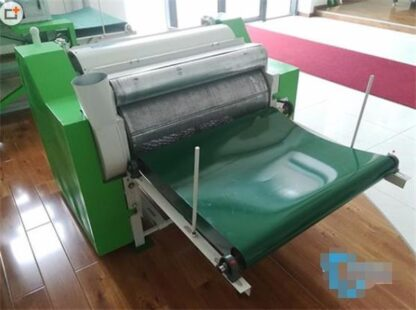 Wire drawing and dust collecting machine-1