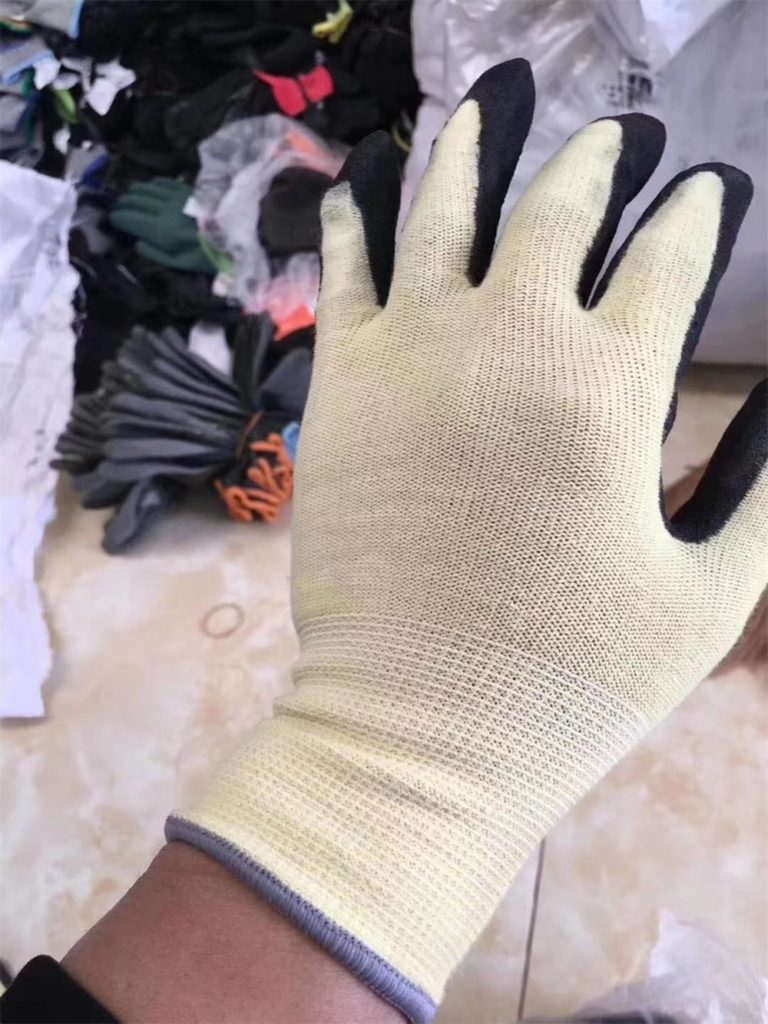 Cutting-proof gloves-2